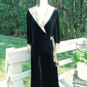 Raza New York Black Velvet Robe w/ Brocade Accent